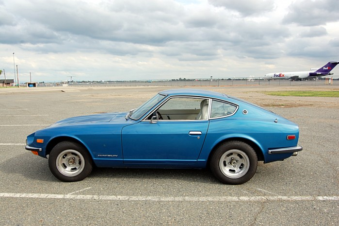 A Photo of a Nissan Datsun 240Z Blue Color